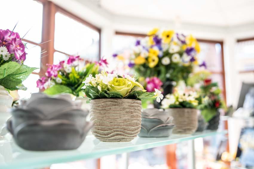 Petits montages fleurs funéraires